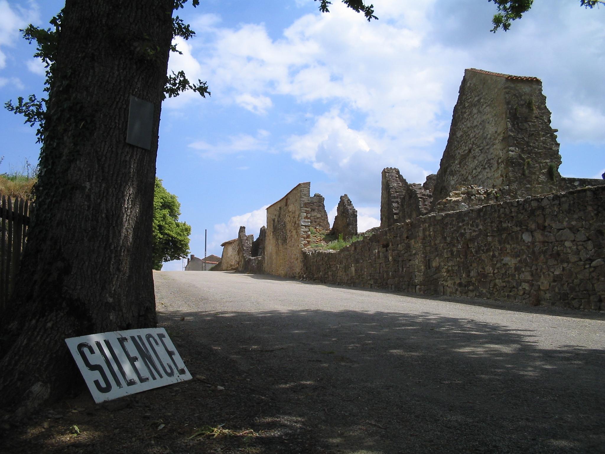 Oradour-sur-Glane-Entrance-1361