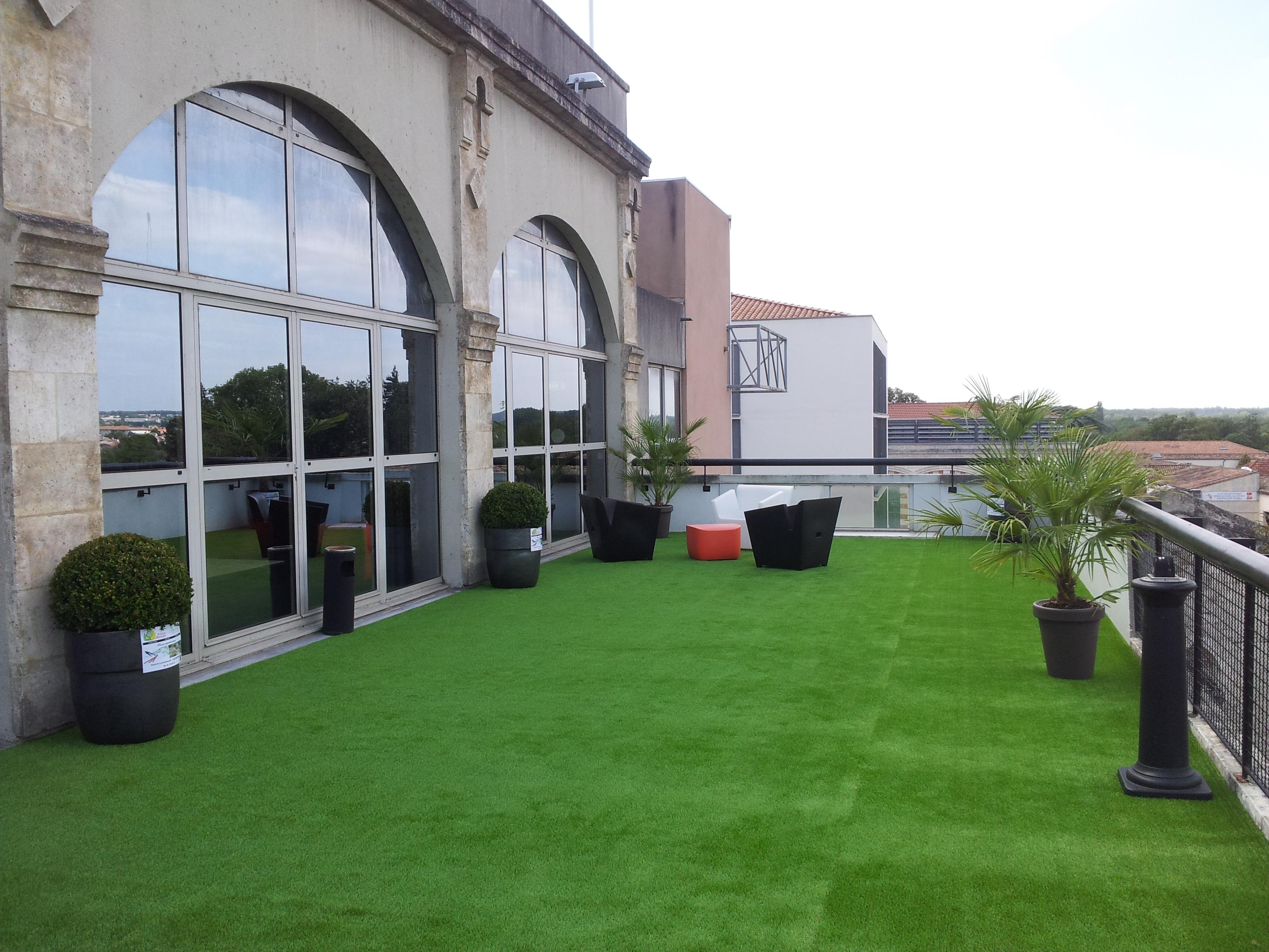 Paysagiste cloture angouleme montbron charente terrasse for Entretien jardin charente